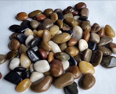 Blanke sten gyldne naturfarver