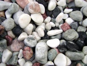 salg af Granitskærver 25 kg søsten i blandede bolchefarver