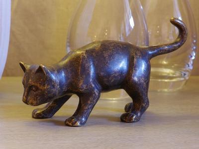 Bronzefigur Kat