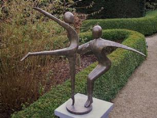 salg af 2 dansende gymnaster i bronze