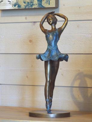 salg af Dansende pige