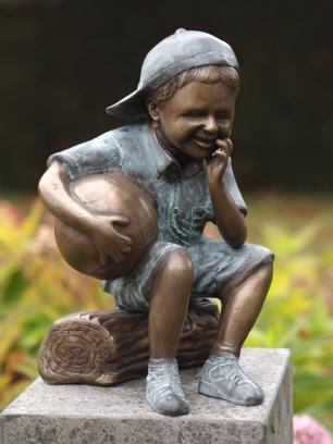 salg af Dreng med bold
