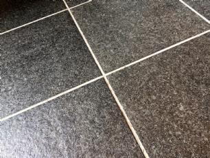 salg af Granitflise, basalt 60,0x60,0x1,5 cm