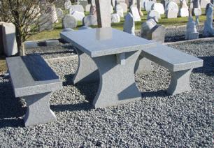 """salg af Granitbord med 2 b�nke i gr�sort granit """"Grethe"""""""