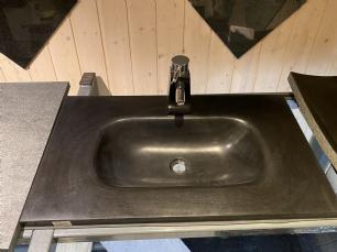 salg af Bordplade med vask og armatur