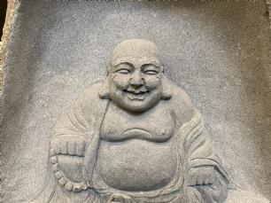 salg af Buddha i natursten