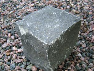salg af Chaussésten i sort basalt