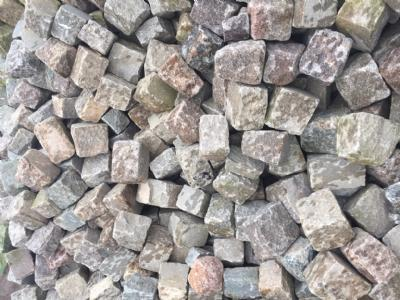 salg af Brugte chaussésten i ass. granit