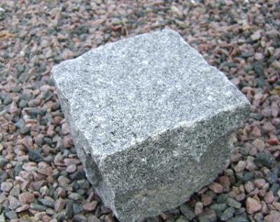 salg af Chaussesten i gråsort granit