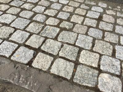 salg af Chaussésten grå indisk granit