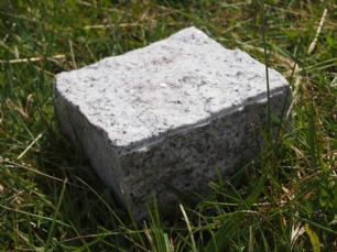 salg af Chaussesten lysgr� granit