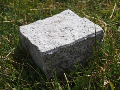 salg af Chaussesten lys grå granit