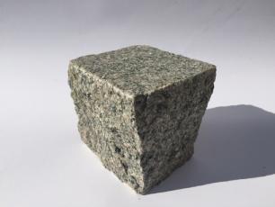 salg af Chaussesten rødlig granit, jetbrændt top