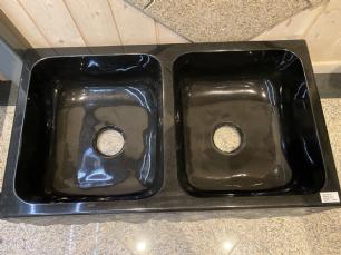 salg af Dobbelt vask sort granit