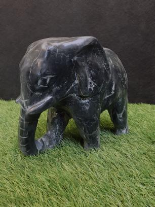 salg af Elefant, Sort marmor