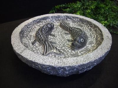 granitfuglebad med 2 polerede fisk