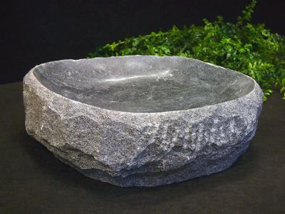 salg af Granitfuglebad, naturform, gråsort granit