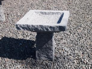 """salg af Fuglebad p� sokkel 4-kantet """"lille"""""""