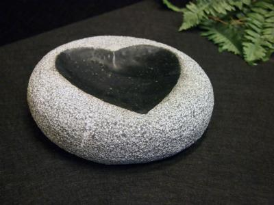 salg af Fuglebad, sort granit