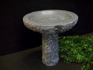 salg af Fuglebad, rund på sokkel, gråsort granit