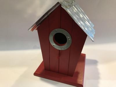 rødt fuglehus