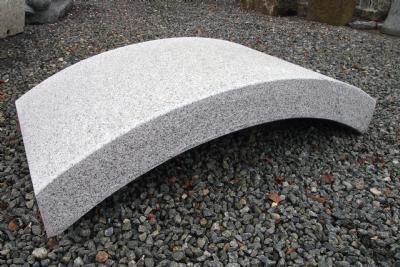 lys grå granitbro