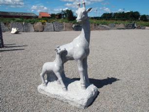 salg af Granit figur - Giraf m/ kalv