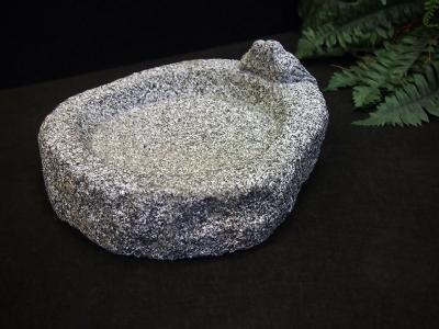 Granit fuglebad med 2 spurve uden vand