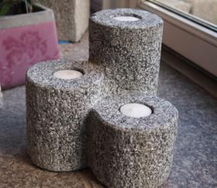 salg af Granit Fyrfadslysestage til 3 fyrfads lys