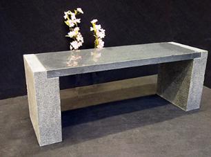"""salg af Havebænk i, gråsort granit """"Laura"""""""
