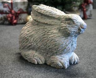 salg af Kanin i rødlig granit