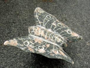salg af Sommerfugl i granit