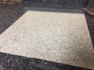 salg af Granitflise lys grå - 30,5 x 30,5 x 1 cm