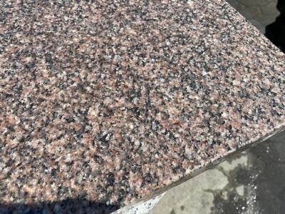 rød granit flise våd 40x40x3