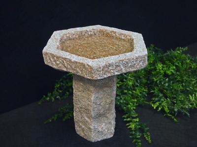salg af Granitfuglebad på sokkel, 6-kantet