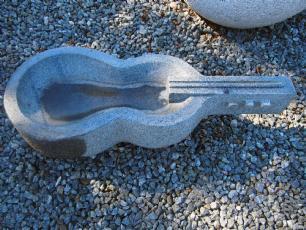 salg af Granitfuglebad Guitar