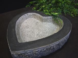 salg af Granitfuglebad hjerteformet