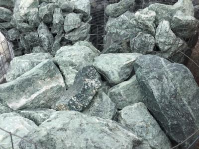 Granitskærver store grønne sten