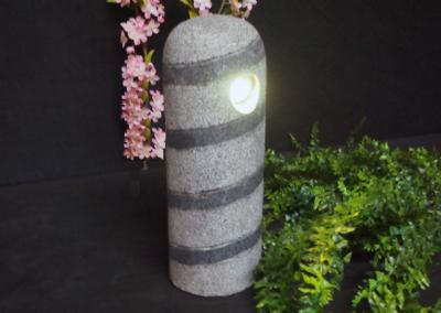 salg af Have- eller bedlampe i gråsort granitpullert