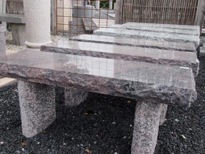 salg af Bænke i granit i smuk indisk granit
