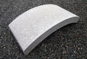 salg af Havebro i grå granit