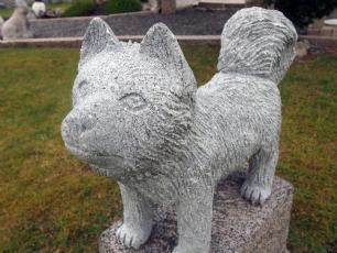 salg af Hund p� pedestal