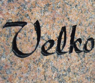 Indhugning af tekst, tal eller tegning i granit