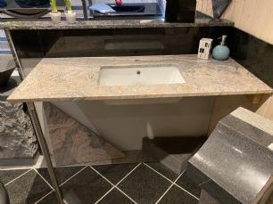 salg af Juparana granitbordplade med vask