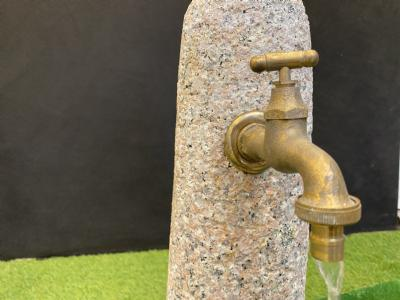 salg af Komplet vandsten vandpost med hane