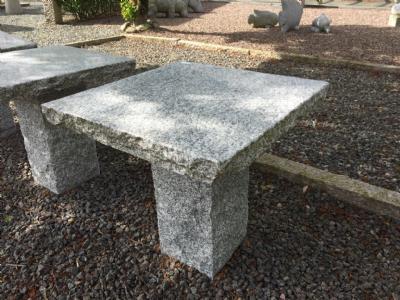 salg af Lille kaffebord i grå poleret granit