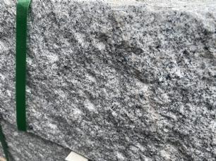 salg af Palisadesten kantsten grå granit