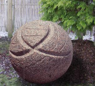 """salg af KOMPLET Vandsten i rødlig granit """"Petanque"""""""
