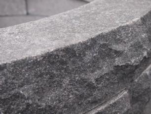 salg af Plante- eller bålring i sort granit