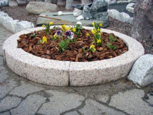 salg af Plante- eller bålring i rød granit
